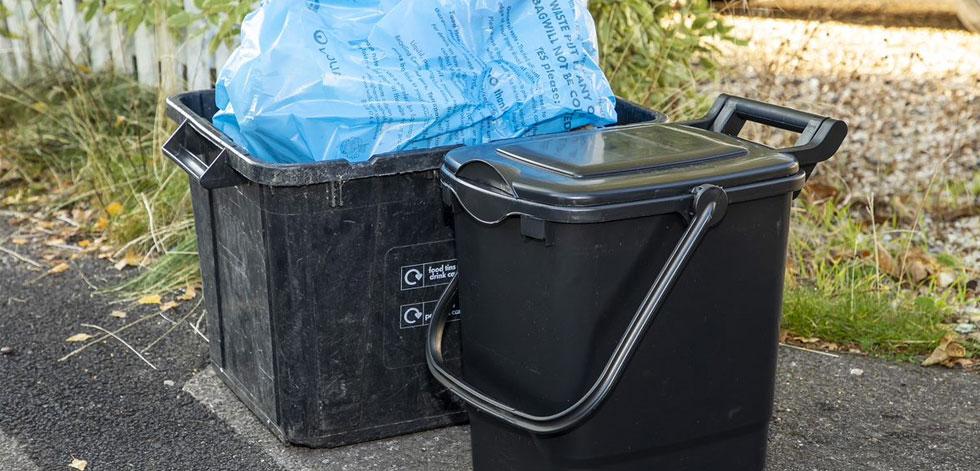 Wokingham recycling box and food waste bin
